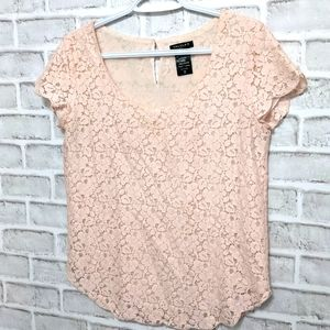 Tahari Pink Lace Scoop Neck Blouse Size Small